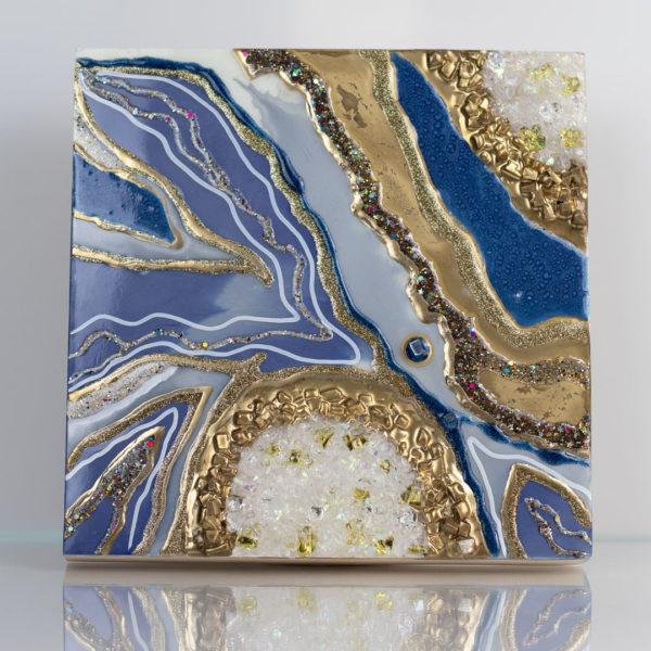 Картина с золотом и камнями