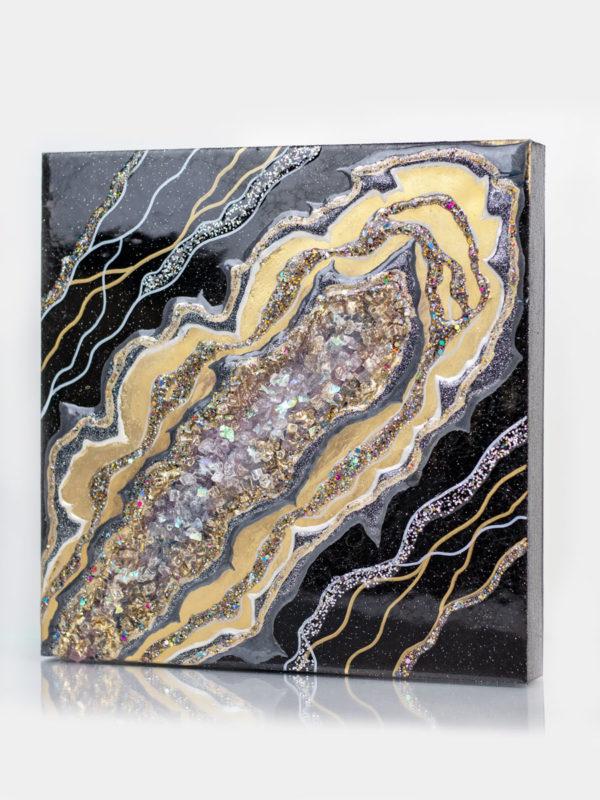 картина из эпоксидной смолы с камнями и золотом
