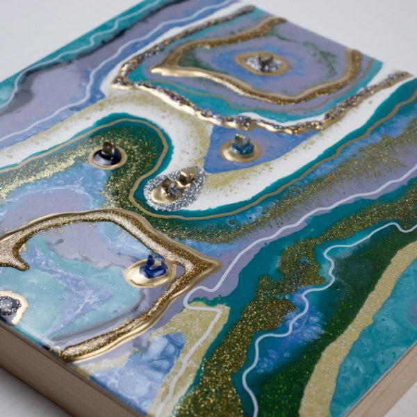 Картина абстракция с камнями и золотом из смолы купить